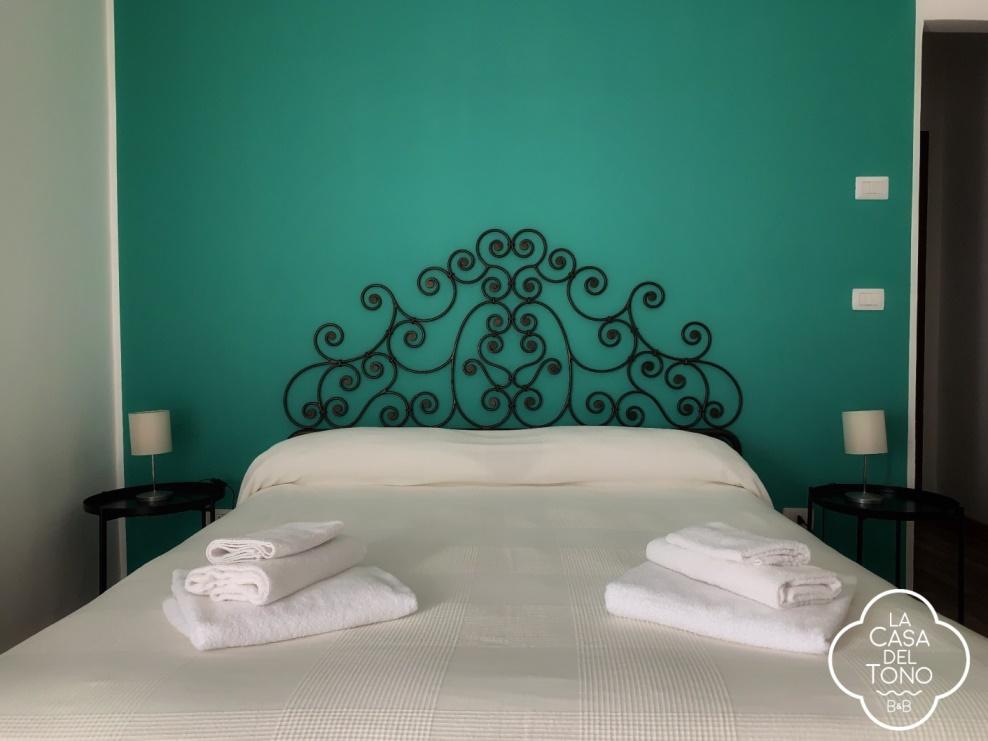 Room 2 - Tono